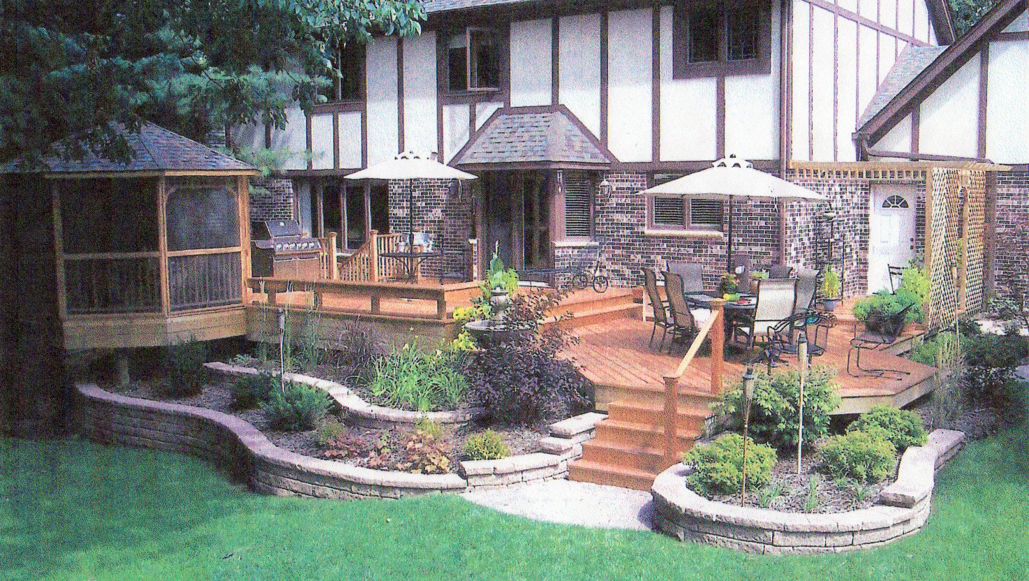 Backyard landscape r e marshall nursery for Small patio landscaping