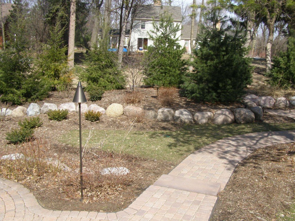 Backyard Boulder Planter Screen with Paver Sidwalk and Patio 9 Image