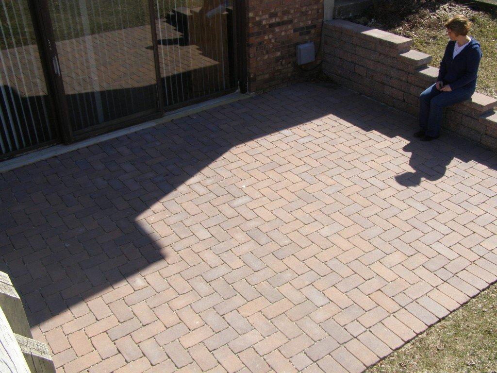 Aqua Patio Paver Brick Patio with Retaining Wall 53 Image